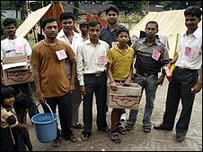 Aastha volunteers