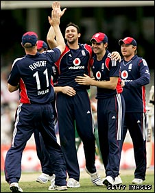 Steve Harmison celebrates a wicket with his England team-mates