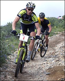Dave Wiens (left) beat Lance Armstrong into second place in a recent mountain bike event