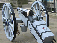 Replica cannon