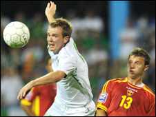 Glenn Whelan (left) and Elsad Zverotic