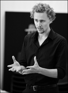Tom Hiddleston, rehearsal shot