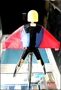 Modelo miniatura del traje volador
