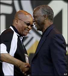 Jacob Zuma (l) shakes hands with Thabo Mbeki