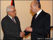 Mahmoud Abbas (left) and Ehud Olmert (31/08/08)