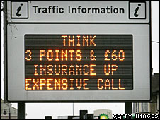 An electronic road sign
