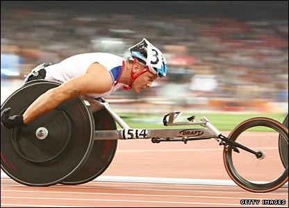 David Weir in action in the T54 800m final