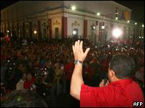 Hugo Chávez en Miraflores (Foto: AFP/Presidencia de Venezuela)