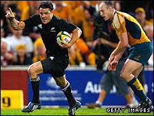 Dan Carter scores for New Zealand