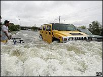 Calle inundada en Houston, Texas