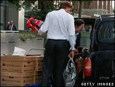 Lehman Brothers UK staff packing up