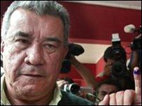 ليوبولدو فرنانديز حاكم باندو