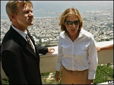 Tzipi Livni with UN humanitarian chief Jan Egeland in Haifa, July 2006