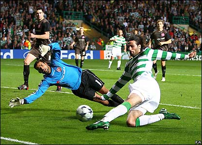 Samaras misses a good chance