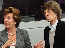 EU Competition Commissioner Neelie Kroes with Sir Mick Jagger, 17 Sep 08 (pic: European Community)