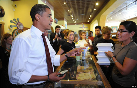 Barack Obama orders food at a cafe in Bernalillo, New Mexico