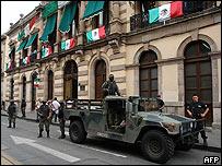 Soldados en la Asamblea de Morelia el 18 de septiembre