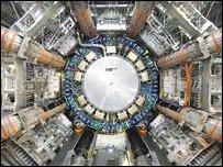 """خلل يوقف تجربة محاكاة """"الانفجار الكوني العظيم"""" _45035449_a8d374b4-6cf6-4251-8a09-8531c8315ca2"""