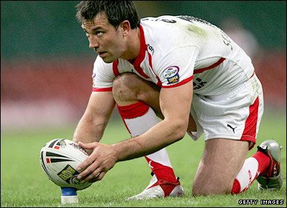 Paul Sculthorpe lines up a conversion for Saints