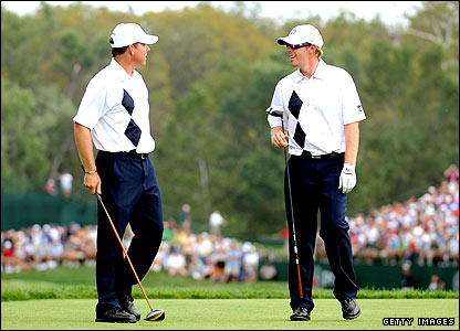 Justin Leonard (left) and Hunter Mahan