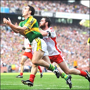 Kerry led Tyrone by a single point at half-time