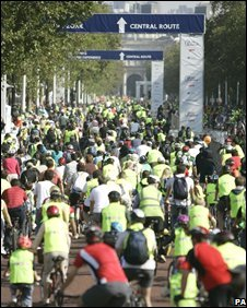 Cyclists at London Freewheel