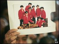 Seguidores del grupo K-Paz reclaman por la muerte del cantante