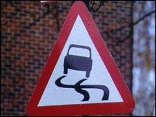 Danger of slipperly road