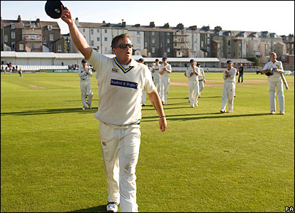 Darren Gough takes his cap off after a round of applause from Yorkshire fans