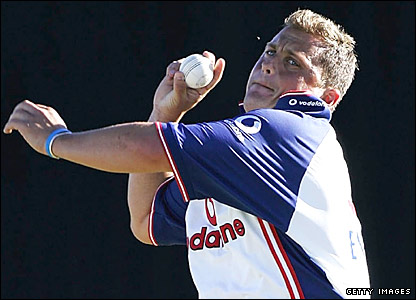 Darren Gough bowls in the nets for England