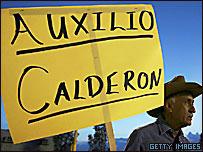 Un hombre pide ayuda a Calderón