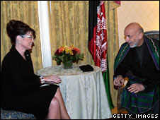 Sarah Palin meets Afghan President Hamid Karzai on 23 September 2008