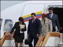 El presidente de Venezuela, Hugo Chávez, a su llegada a Pekín