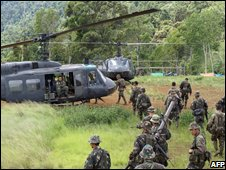 Philippine combat troops occupy the Muslim rebel camp in Mount Gurain in Lanao del Sur province, 20 Sept