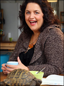 Ruth Jones and her tortoise