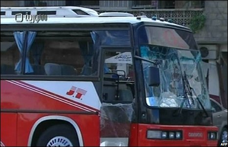 A bomb-damaged bus in Damascus, Syria (27/09/2008)