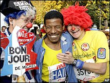 Haile Gebrselassie with Berlin 'fun' runners