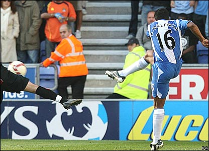 Antonio Valencia, Wigan Athletic, scores