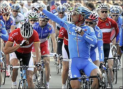 Italy's Paolo Bettini waves to the crowd