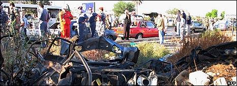 Scene of Monday's bombing in Tripoli, Lebanon (29 September 2008)