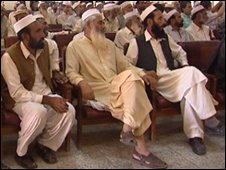 Tribal elders meet to discuss how to fight the Taleban
