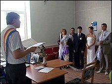 A couple get married in Moldova