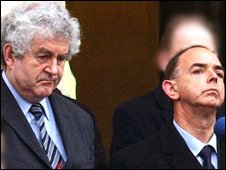 Rhodri Morgan [L] and Nick Bourne observe three minutes' silence for the tsunami disaster in 2005