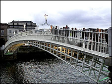 Ha'penny Bridge, Dublin