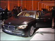 Journalists investigate the BMW 7 Series
