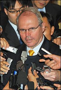كريستوفر هيل في مؤتمر صحفي في كوريا الجنوبية