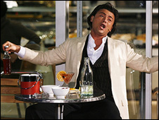 Vittorio Grigolo as Alfredo in La Traviata at Zurich train station