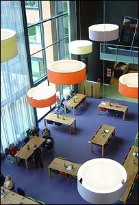 """Instalaciones de """"Hooge Platen"""" en Breskens, Holanda"""