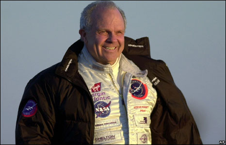 Steve Fossett at an airport in Kansas in February 2005