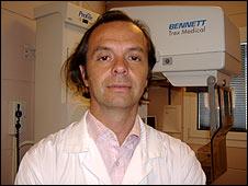 Luis Pallares, surgeon